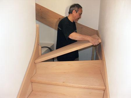 escalier entre deux murs