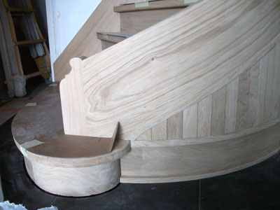 curved-panel-under-the-wreathed-string