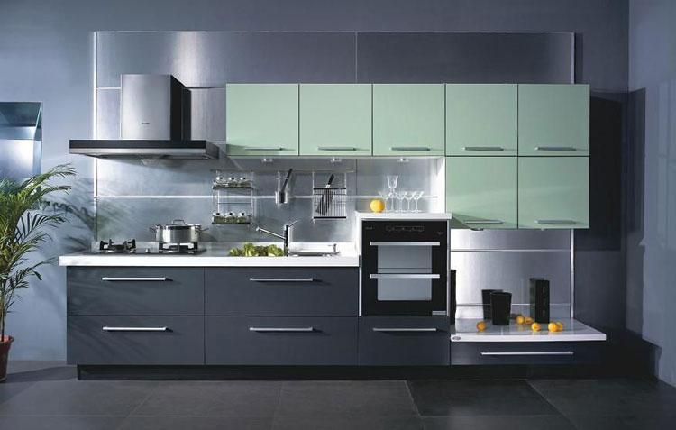 Une cuisine avec portes planes